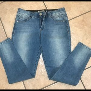 Soft denim skinny ankle jeans